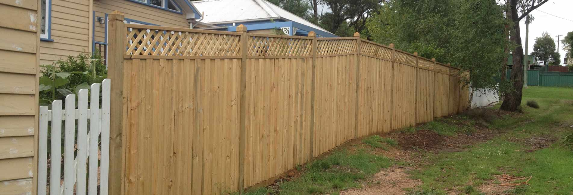 Fencing Wentworth Falls, Timber Fencing Katoomba, Picketing Bullaburra